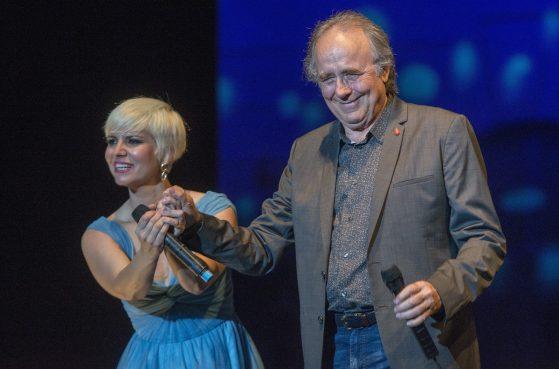 BARCELONA 10 06 2017 Concierto de NOA PASION VEGA con Joan Manuel Serrat de invitado especial en el Festival Jardins de Pedralbes FOTO FERRAN SENDRA